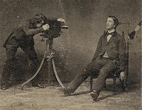 photography were not alive in 1800