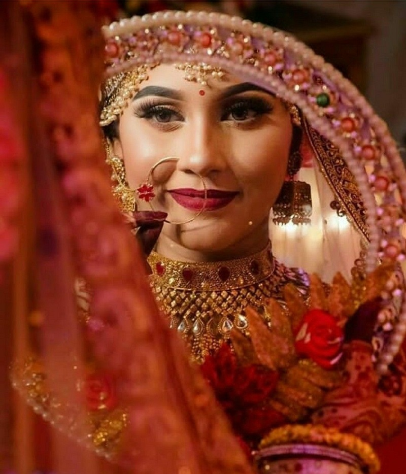 Bridal mirror photography
